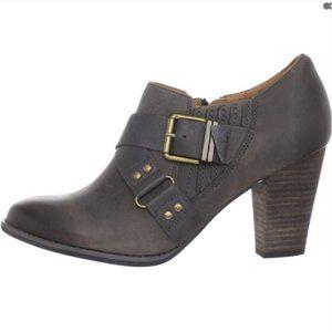 Clarks Heath Woodlark Boots 7 Taupe Grey